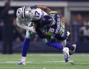 En fotos: Allen Hurns sufre una espantosa lesión en el juego de Comodines de los Dallas Cowboys