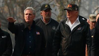 Trump promete ayudar a California a recuperarse de la devastación de los incendios