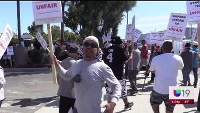 Tercer día de protestas de empleados de Simpson Strong Tie en Stockton