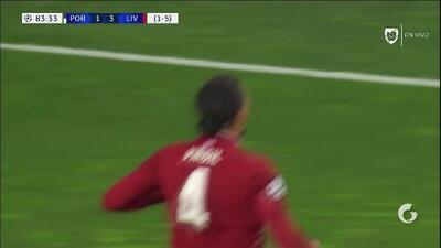 ¡GOOOL! Virgil van Dijk anota para Liverpool