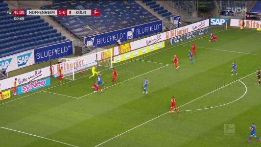 ¡Atajadón con el pie de Timo Horn! Hoffenheim iniste y el Colonia se salva de nuevo del 2-0