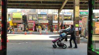 Miedo e incertidumbre entre los latinos de Nueva York, la ciudad de las fiestas electorales