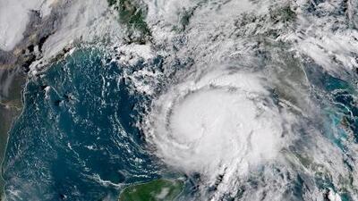 El huracán Michael se intensifica en su recorrido hacia Florida