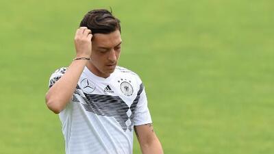 Mezut Özil no jugó en el amistoso de Alemania y es duda para enfrentar a México