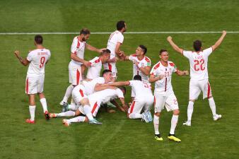 En fotos: Serbia venció a Costa Rica y toma ventaja en su pelea por octavos de final