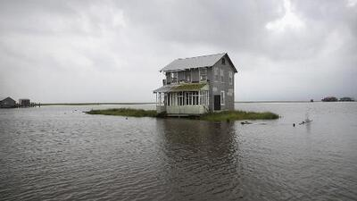 Barry dejó a cientos de miles sin electricidad e inundadas varias comunidades