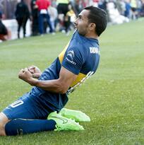 """Carlos Tevez """"la rompe"""" y Boca le gana a Argentinos Juniors"""