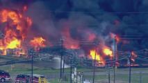 Bomberos controlan incendio en una planta industrial en Channelview: reportan una persona herida