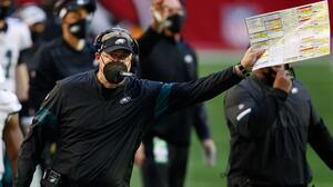 Doug Pederson, de ganar un Super Bowl a ser despedido de Eagles
