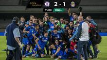 Con penal muy polémico, Cruz Azul es campeón de Copa por México