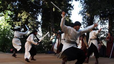 Bailarines de espada danzarán por las calles de NY