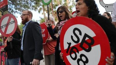 Dos proyectos de ley que son considerados antiinmigrantes generan manifestaciones en Florida