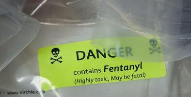 """""""El fentanilo está en todo"""": Filadelfia alerta que las muertes por sobredosis han incrementado"""