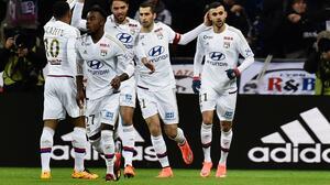 El Lyon golea al Guingamp y prolonga su buena racha en la Ligue 1