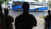 Cómo la violencia está impactando los viajes de la casa al trabajo en El Salvador