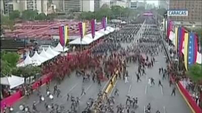 """Drones con explosivos y bombonas de gas que estallan: lo que se sabe del """"atentado"""" contra Nicolás Maduro"""