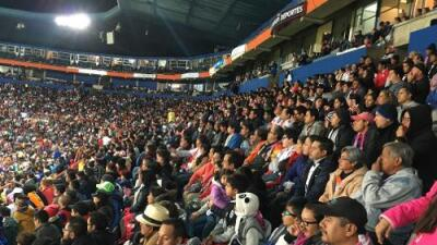 Women's soccer league in Mexico draws huge crowds