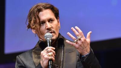 """Johnny Depp se disculpa tras preguntar """"cuándo fue la última vez que un actor asesinó a un presidente"""""""