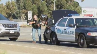 Presunta infracción de tránsito en California termina en tiroteo y un oficial de la Policía de Carreteras pierde la vida