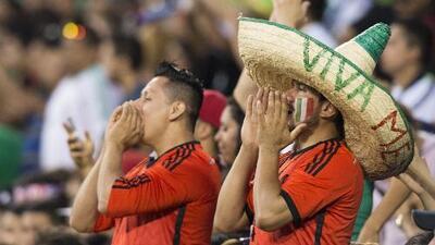 Apoyo incondicional: mexicanos en LA ven al Tri campeón