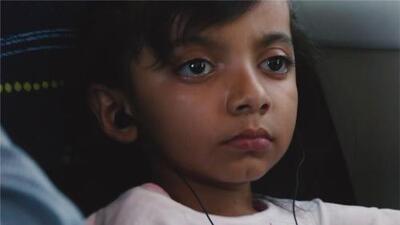 América Cruz, la niña con 'huesos de cristal', regresa a su hogar en México
