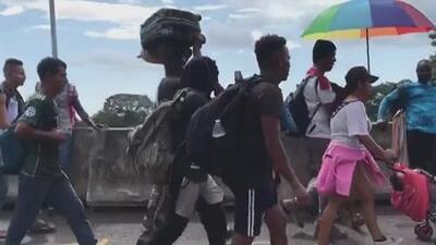 Cerca de 1,000 inmigrantes conforman una nueva caravana que partió desde Tapachula con destino a EEUU