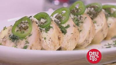 Receta de 'Rollitos de pollo rellenos en salsa de tomatillo' preparados por el cantante Luis Coronel