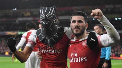 ¡Lo tenía preparado! Aubameyang sorprendió con la máscara de Black Panther