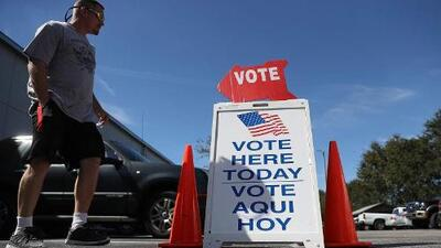 """""""Historic"""" early voting turn out by Latinos in Florida and Nevada"""
