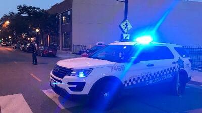 Policía detiene a una persona durante atrincheramiento en Lakeview