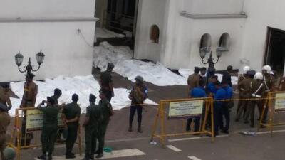 Kamikaze se inmoló en la fila del buffet de un hotel: lo que se sabe de los sangrientos atentados en Sri Lanka