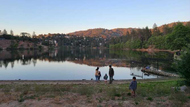 Lake Gregory una de las bellezas naturales del Bosque Nacional de San Bernardino