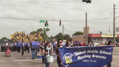 Con desfile rinden homenaje al cubano José Martí en Hialeah, Florida