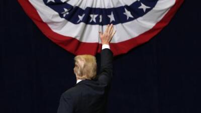 No se vota por él, pero estas elecciones tienen que ver con Trump ¿las ganará?