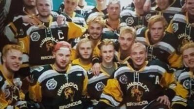 Mueren 14 miembros de un equipo de hockey en accidente de tráfico en Canadá