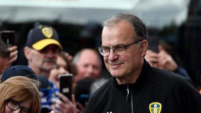 ¡Por la revancha! Leeds confirma continuidad de Bielsa