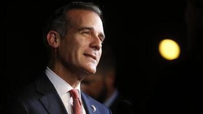 Alcalde de Los Ángeles no descarta impeachment contra Trump si los demócratas ganan el Congreso