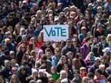 """""""Sácalos con votos"""" es el mensaje a los 4 millones de posibles votantes que este año cumplen la mayoría de edad"""