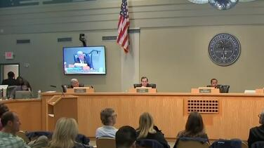 La ciudad de Miami rechaza la petición para destituir al comisionado Joe Carollo