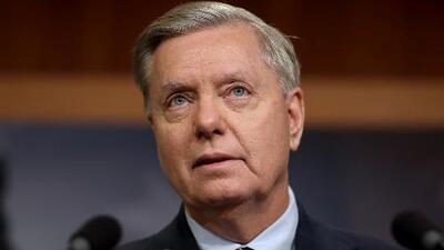 Lindsey Graham sugiere la posibilidad de un acuerdo para terminar con el cierre de gobierno, tras un almuerzo con Trump