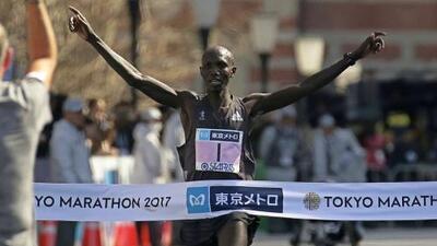 Wilson Kipsang gana el Maratón de Tokio, pero queda corto del récord mundial