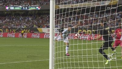 Kun Agüero cierra la goleada a Panamá con un gran gol de cabeza