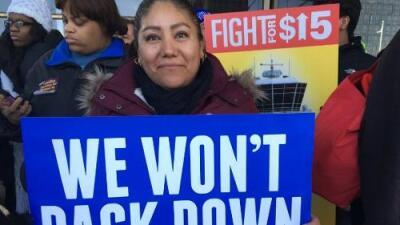 """""""No tenemos miedo"""", dicen empleados de aeropuerto O'Hare de Chicago que hoy se fueron a huelga"""