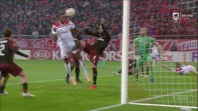 ¡Gol del Olympiacos que tiene al borde de la eliminación al Milan!