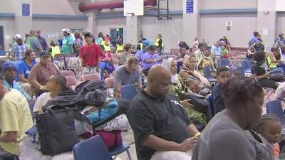 Evacuaciones de miles de residentes en el área de Corpus Christi, Texas, por el paso de Harvey