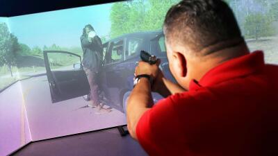 El sistema de entrenamiento de policías que parece un gran juego de realidad virtual (fotos)