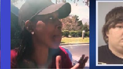 Hombre roba auto con dos niños abordo