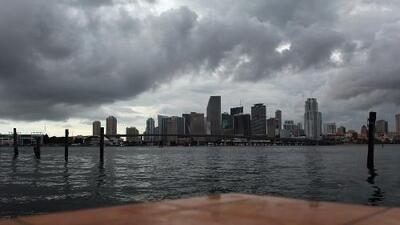 Se esperan lluvias fuertes con descargas eléctricas para este lunes en Miami