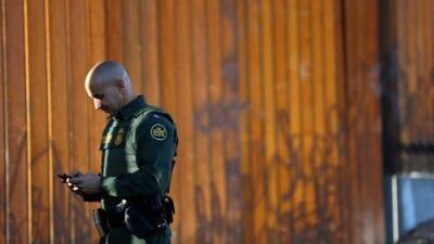 Burlas vulgares a congresistas e indiferencia por la muerte de inmigrantes: denuncian grupo secreto de agentes de CBP en Facebook