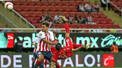 Con gol digno del 'Puskas', Lobos BUAP venció a Chivas
